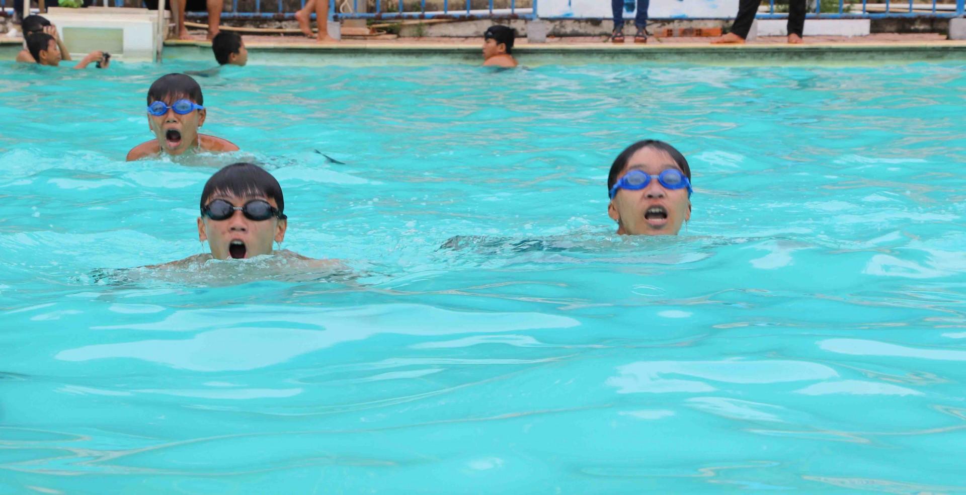 Kỹ thuật thở nước cho người mới học bơi