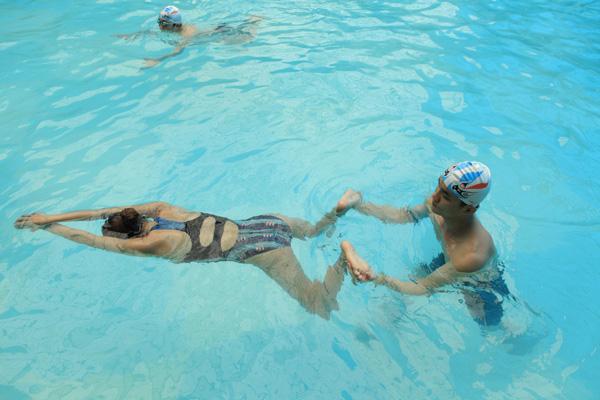 Bơi ếch là kiểu bơi được khuyên nên luyện tập đầu tiên