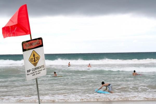 Dòng chảy xa bờ là mối nguy khi đi biển