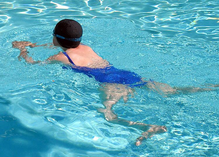 trình tự học bơi ếch
