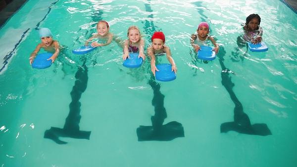 dậy bơi cho trẻ em