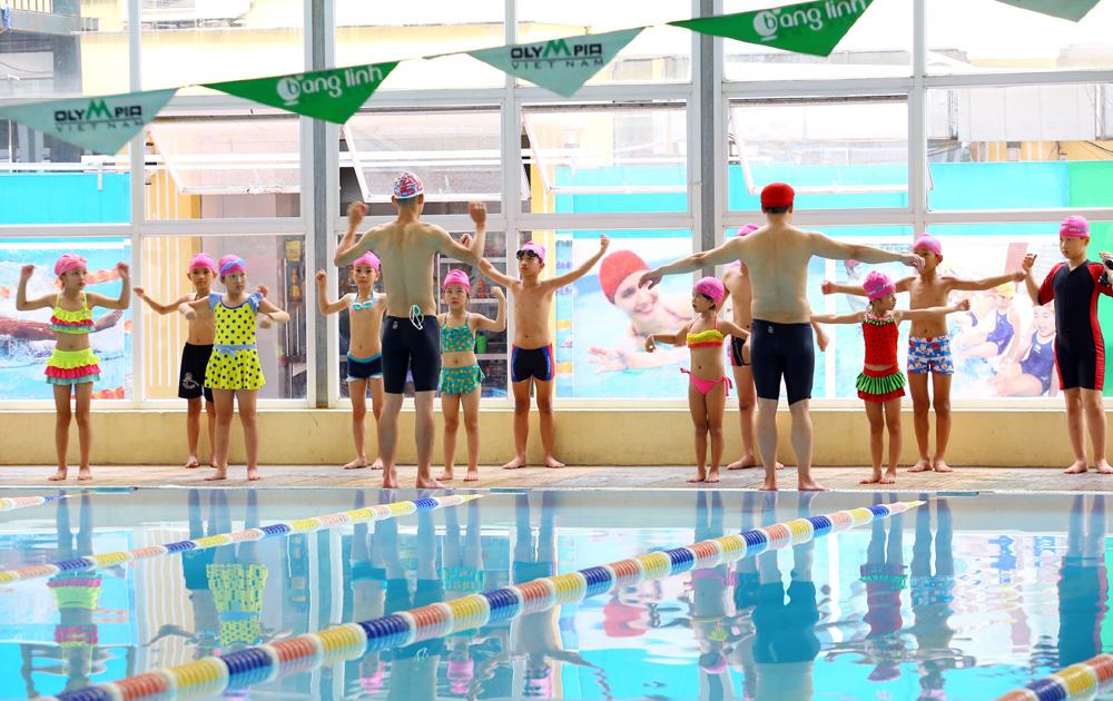 5 vận động cần phải biết trước khi xuống bể bơi