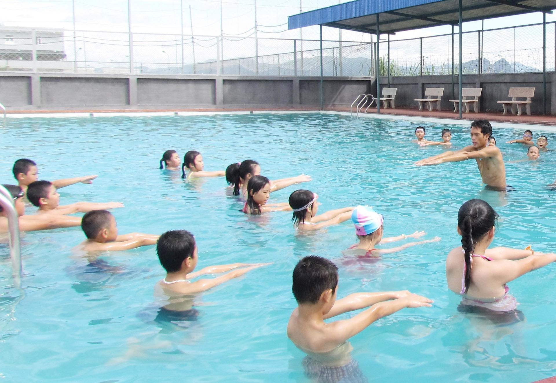 Khóa học bơi ưu đãi hè