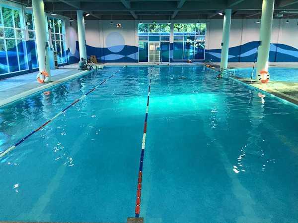 Bể bơi sạch ở Hà Nội